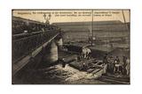 Magdeburg, Schiffsunglück an Der Strombrücke,Taucher Giclee Print