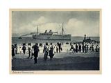 Lübeck Travemünde, Dampfer Am Strand, Zuschauer Giclee Print