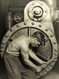 Powerhouse Mechanic, C.1924 Fotografisk tryk af Lewis Wickes Hine