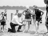 Measuring Bathing Suits, C.1922 Reproduction photographique
