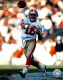Joe Montana - passing - ©Photofile Photo