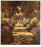 Une allée du jardin de Monet Posters par Claude Monet