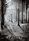 Trapperne i Montmartre, Paris Plakat af  Brassaï