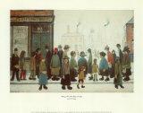 Warten auf die Ladenöffnung Kunstdrucke von Laurence Stephen Lowry