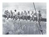 Mittagessen hoch oben an einem Wolkenkratzer Kunstdrucke