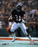 Walter Payton - Running with ball Photo