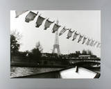 Au Pont de l&#39;Alma Prints by Robert Doisneau
