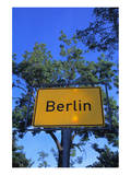 Place name sign Berlin Art