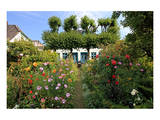 Garden with Country House in the Urban District of Blankenese, Hamburg, Germany Prints