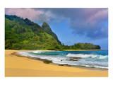 Tunnels Beach, Island of Kauai, Hawaii, USA Prints