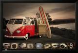 VW campeur avec planche de surf Affiches