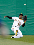 Apr 3, 2013, Chicago Cubs vs Pittsburgh Pirates - Andrew McCutchen Lámina fotográfica por Joe Sargent