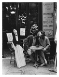 Kissing at Cafe Table, Paris Pósters por Peter Turnley