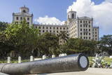 Hotel Nacional and Cannon, Havana, Cuba, West Indies, Caribbean, Central America Photographic Print by  Rolf