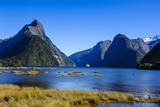 Cruise Ship Passing Through Milford Sound Lámina fotográfica por  Michael