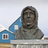 Statue of Roald Amundsen, Ny Alesund, Spitsbergen (Svalbard), Arctic, Norway, Scandinavia, Europe Photographic Print by Eleanor Scriven