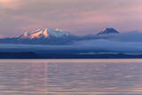Lake Taupo with Mount Ruapehu and Mount Ngauruhoe at Dawn Fotodruck von  Stuart
