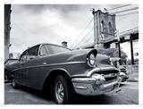 Vintage Car Parked by City Bridge Lámina por Ben Pipe