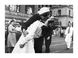Kissing the War Goodbye in Times Square, 1945, I Print by Victor Jorgensen