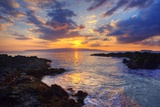 Sunset at Maui Wai or Secret Beach on Maui in Hawaii Reproduction photographique par Ron Dahlquist