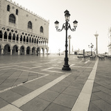 The Piazza I Impression giclée par Joseph Eta