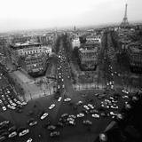 Paul Almasy - View from the Arc de Triomphe to the Place de l'Etoile, 1960s Digitálně vytištěná reprodukce