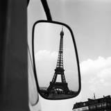 Paul Almasy - Eiffel Tower Reflection, c1960 Digitálně vytištěná reprodukce