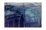 La sirène de Notre-Dame et les projecteurs sur Paris en 1918 Giclee Print by Maurice Busset