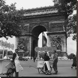Selling Ice-Cream, Arc de Triomphe, Paris, c1950 Stretched Canvas Print by Paul Almasy