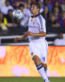 Aug 1, 2009, FC Barcelona vs Los Angeles Galaxy - Omar Gonzalez Photographic Print by Robert Mora