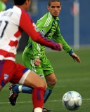 May 16, 2009, Seattle Sounders FC vs FC Dallas - Osvaldo Alonso Photographic Print by Ronald Martinez