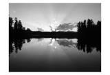 Sunset Lake Posters av Suzanne Foschino