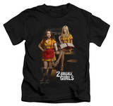 Juvenile: 2 Broke Girls - Max & Caroline T-shirts
