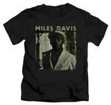 Juvenile: Miles Davis - Miles Portrait T-Shirt