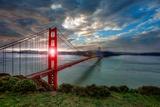 Sun through Golden Gate Fotodruck von Michael Lawenko Dela Paz