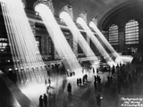 Sun Beams into Grand Central Station Fotografisk tryk af Hal Morey