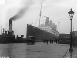SS Mauretania Photographic Print by Topical Press Agency