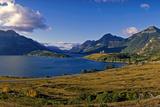 Waterton Lakes Nationalpark, Alberta, Canada Photographic Print by Hans-Peter Merten