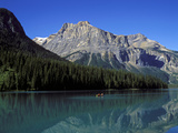 Emerald Lake, Yoho Nationalpark, Canada Photographic Print by Hans-Peter Merten