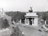 Wellington Arch Photographic Print by Hulton Archive