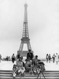 Paris Tourists Photographic Print by Central Press