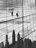 Brooklyn Bridge Workers Fotografisk tryk af Archive Photos