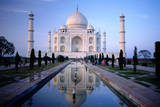 Taj Mahal Reflected in Watercourse. Papier Photo par Paolo Cordelli