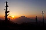 Mt. Fuji Sunrise Photographic Print by  huayang