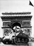 A Tank of the French Armored Division Passes by the Arc De Triomphe Posters
