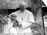Pope John Paul II Holds His Arm Around Mother Teresa Prints