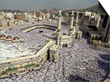 Hundreds of Thousands of Pilgrims Perform Friday Prayers at the Great Mosque in Mecca, Saudi Arabia Posters