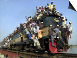 Bangladeshi Muslim Pilgrims Crowd a Train as They Return Home after Three-Day Islamic Congregation Prints