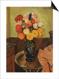 Vase of Flowers on a Round Table Kunstdruck von Suzanne Valadon