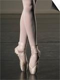 Ballerina en pointe Print by Erik Isakson